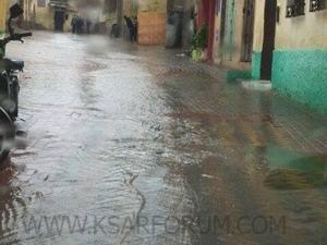 الطقس : تساقطات مطرية بالقصر الكبير و حوض اللكوس