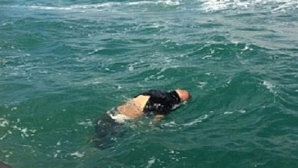 بحر أصيلة يلفظ جثة طفل من حي المناكيب