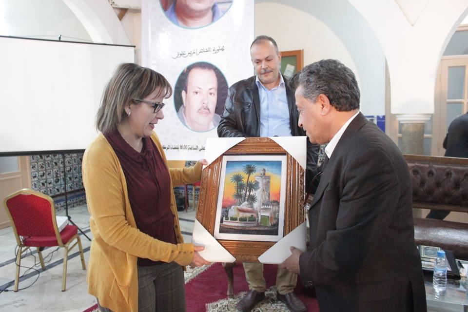 صلاح الوديع أثناء مشاركته في اليوم الثاني لمهرجان الكتاب : المغرب أضاع وقتا كثيراً بعد حصوله على الاستقلال