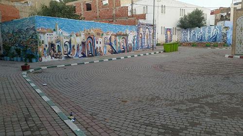الجداريات و الأغراس تصل إلى ساحة الجامع السعيد
