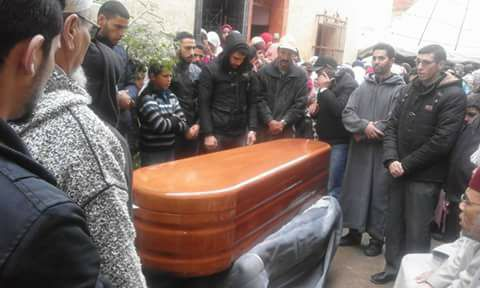 تشييع جنازة الهيشو .. السلطات الإسبانية تعزو سبب الوفاة إلى محاولة الانتحار ردا على مطالب الأسرة بفتح تحقيق
