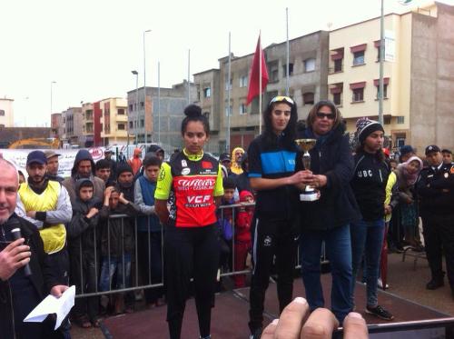 إيمان الجعادي و ندى المسكوني تصعدان لمنصة التتويج في سباق الدراجات بسلا
