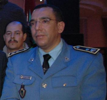 ترقية عبد القادر البطاني القائد الجهوي للفيالق الجمركية بالشمال الغربي إلى رتبة كولونيل بلان
