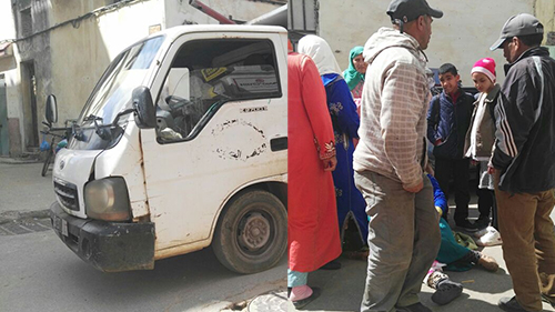 شاحنة البلدية تصدم سيدة بحي الباريو