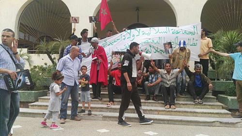 بسب سوق الجملة .. الجماعة السلالية بأولاد احميد في احتجاج ضد الجماعة و السلطات المحلية