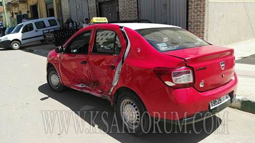 طريق العرائش : حادث اصطدام سيارتين يخلف ضحايا و خسائر مادية