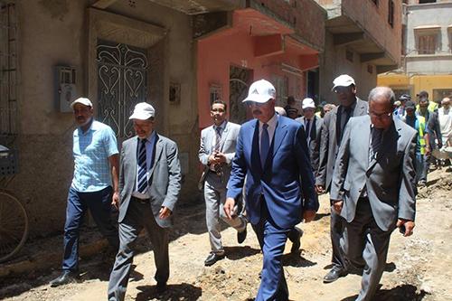 في عز الحراك القصري .. عامل الإقليم يقوم بزيارة تفقدية لعدد من المشاريع و يعقد اجتماعا  مع المسؤولين