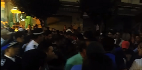 """عاجل : الأمن يطارد شباب """" الحراك القصري """" و يمنعهم من توزيع نداء التظاهر"""