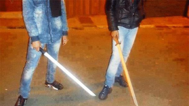 عاجل : الأسلحة البيضاء تحكم ليلة ثاني العيد بأولاد احميد و الأمن غائب