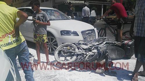 طريق العرائش : حادثة سير بين سيارة و دراجة نارية تخلف إصابة صاحب الدراجة بجروح
