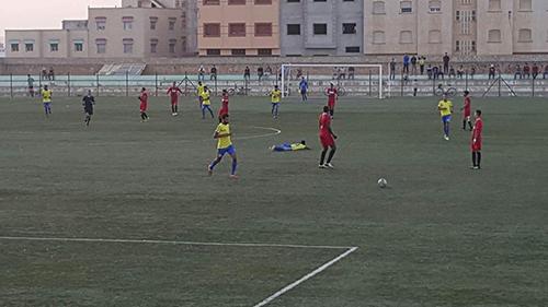 النادي القصري يتعادل بميدانه أمام شباب الحي الحسني بصفر لمثله