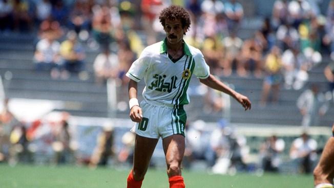 الأسطورة لخضر بلومي حاضر في الدوري الدولي رفقة فريق الربيع الجزائري