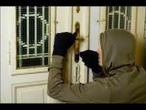 المطيمر : لص يحاول سرقة غرفة نوم رغم وجود أصحاب المنزل نائمين بالداخل