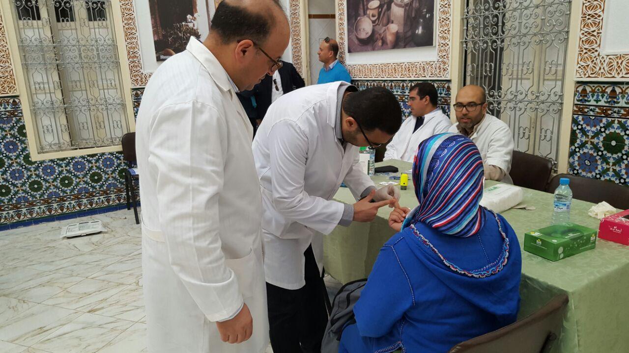 بالصور … نقابة صيادلة القصر الكبير تنظم حملة مجانبة للكشف عن داء السكري