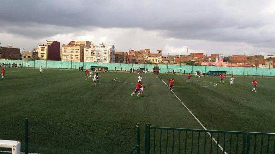 فريق النادي القصري تعادل في مواجهة ثنائية مع الحكم وفريق لازاري وجدة