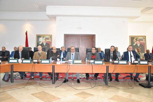 عامل إقليم العرائش يترأس إجتماعا لتدارس قضايا التعمير بالإقليم
