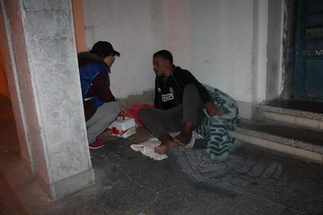 سلطات العرائش تتدخل لإعانة أشخاص دون مأوى