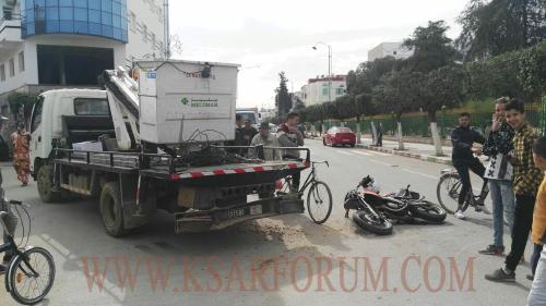 إصابة شاب بكسر في الفخذ جراء حادثة سير بشارع مولاي علي بوغالب