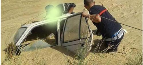 إنقاذ أربعة أشخاص غرقت سيارتهم بواد احنون ضواحي القصر الكبير