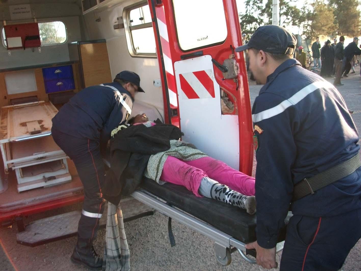 بني عروس : انقلاب شاحنة تقل عاملات أحد الحقول يخلف أكثر من عشرون إصابة