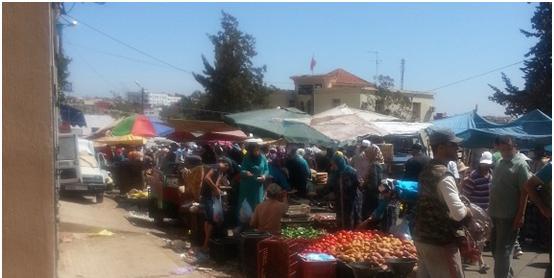 مركز العوامرة : السوق الأسبوعي وعرقلة واضحة للسير والجولان