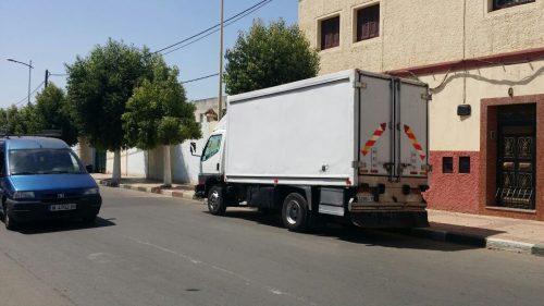 مقصورة شاحنة للسلع تتعرض للسرقة