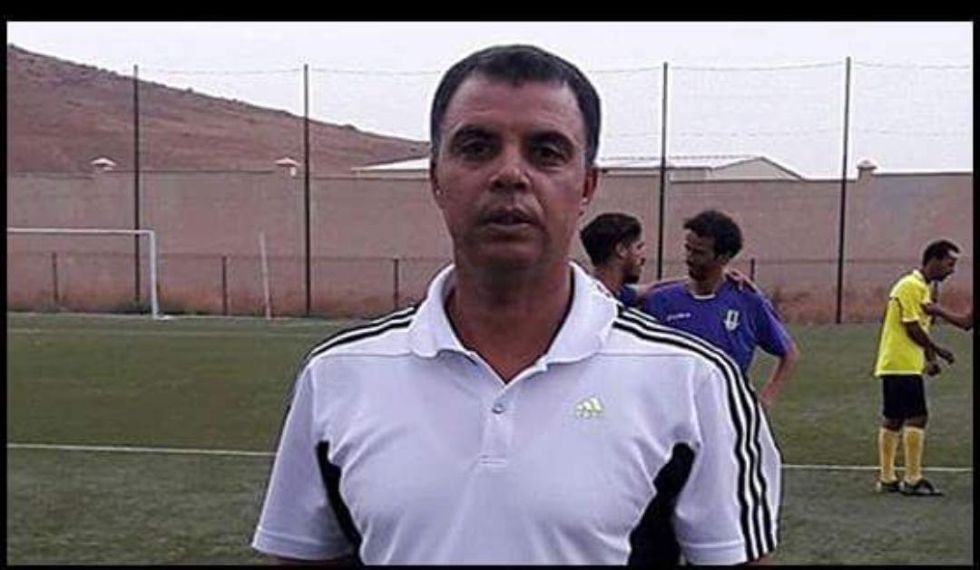 العربي العريف مدربا للنادي الرياضي القصري .
