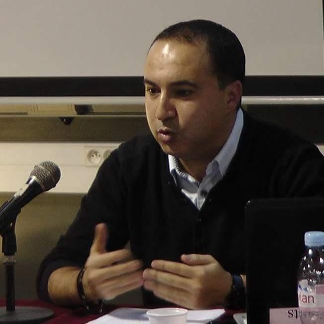 الشاب يوسف نويوار في مناقشة اطروحة الدكتوراه….