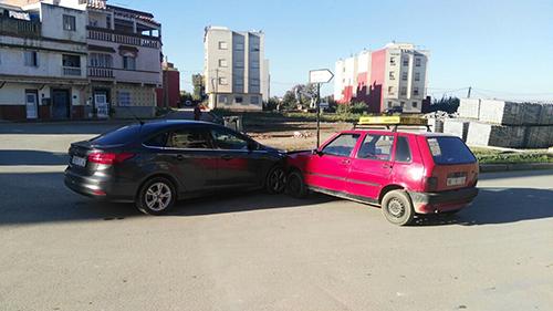 الزيتونة : حادث سير بين سيارتين بسبب السرعة
