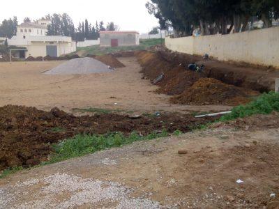 الشروع في أشغال ملعب الشوك دونما الإعلان عن مرافق المشروع وقيمته المالية