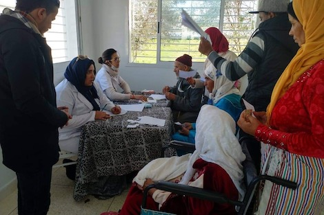 حملة طبية مجانية تحط الرحال في سوق الطلبة