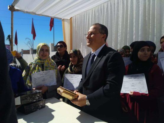 """عامل  إقليم العرائش السيد  العالمين بوعصام يشرف على انطلاق برنامج """" رعاية """" بجماعة تزروت"""