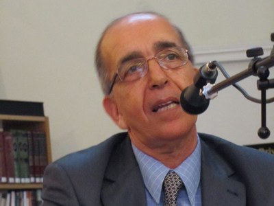 اختيار الدكتور مصطفى يعلى عضوا بلجنة تحكيم القصة القصيرة / ديوان العرب