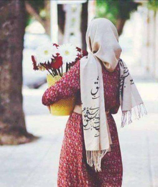 قصة قصيرة : بائعة الورد