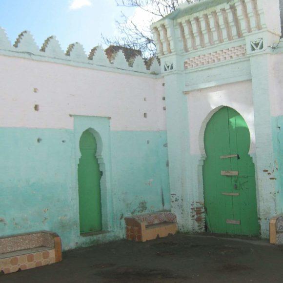 من أولياء ووليات مدينة القصر الكبير:  السيدة فاطمة الأندلسية  الحرة الصالحة . صاحبة نادي ثقافي