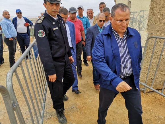 عامل الاقليم يتفقد الملعب البلدي قبل اجراء مباراة النادي مع شباب اصيلا