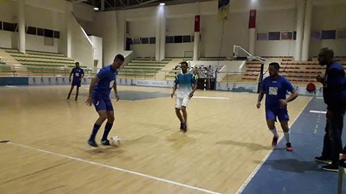 القصر الكبير : انطلاق الدوري الرمضاني الأول في كرة القدم المصغرة