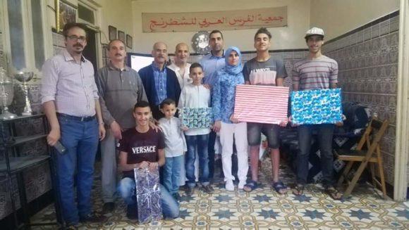 تتويج الفائزين في دوري الفرس العربي للشطرنج بالقصر الكبير