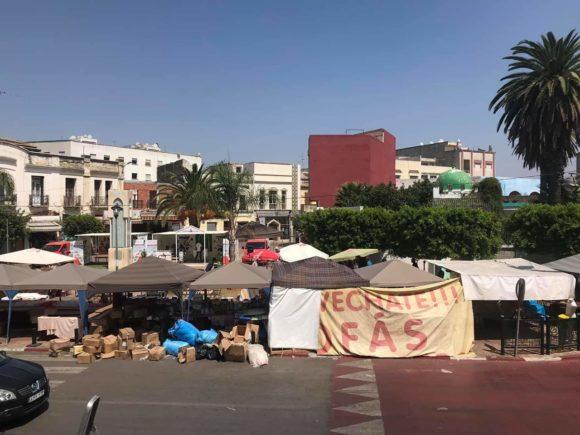 """احتلال """" مرخص """" لساحة عمومية يثير حفيظة المواطنين !!"""
