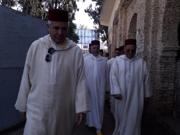 ممثل الحجابة الملكية يسلم هبة لضريح مولاي علي بوغالب
