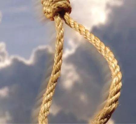 انتحار خمسيني يوم زفافه بحي السلام