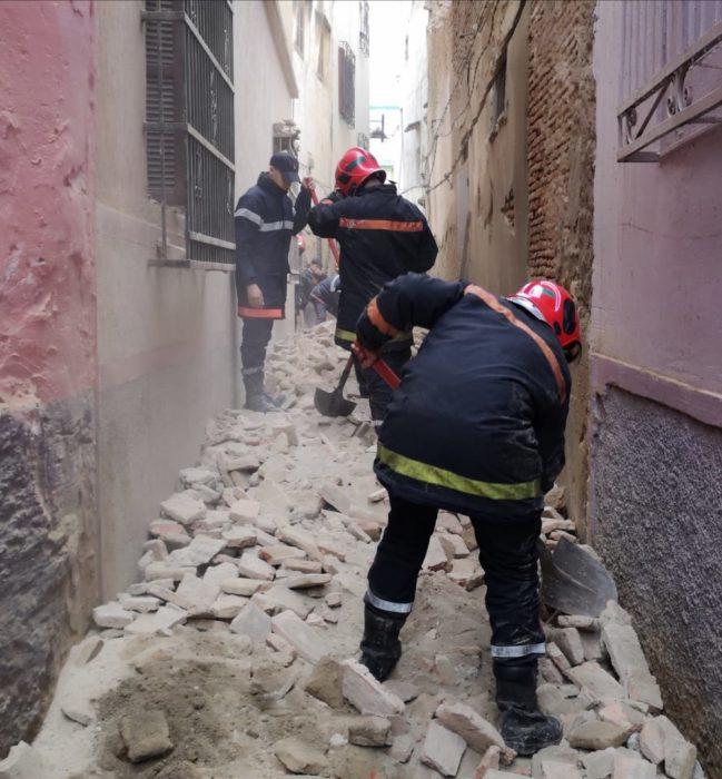 انهيار بناية مهجورة بدرب العبراق قريبا من الزاوية التيجانية: فيديو