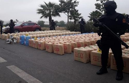 تهريب المخدرات يجر ست جنود للتحقيق بالعوامرة