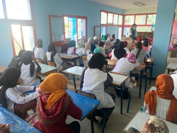 تلميذات الطبري الاعدادية يستفدن من برنامج التوعية على الصحة الانجابية
