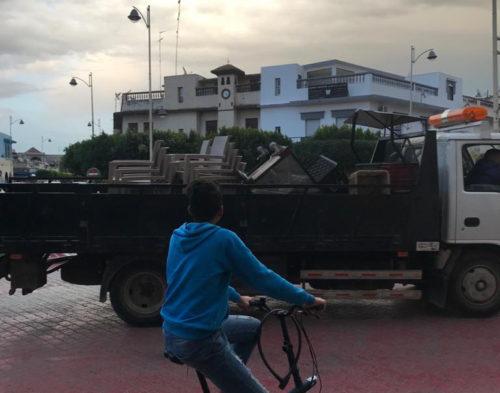 """السلطات تحتجز معدات مقهى كان يبيع """" القهوة """" سرا وسط المدينة"""