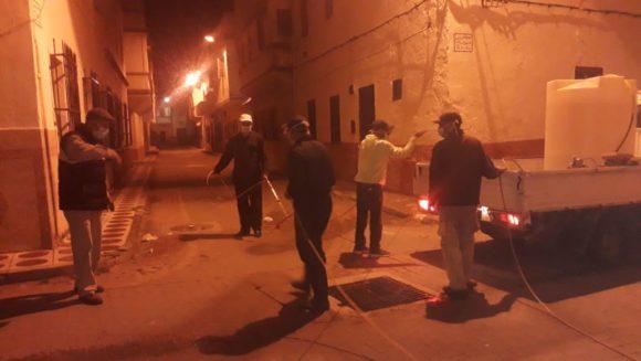 انطلاق عملية التعقيم الليلي لشوارع وأزقة المدينة