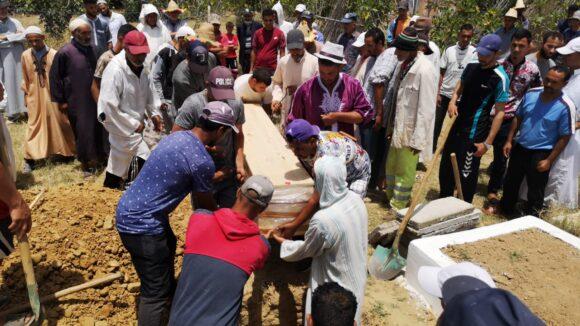 مراسيم دفن الام الشابة فاطنة العبدي المتوافاة بمصحة خاصة