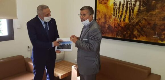 رئيس جماعة القصر الكبير يقدم المشروع المتكامل لمنطقة الأنشطة الاقتصادية