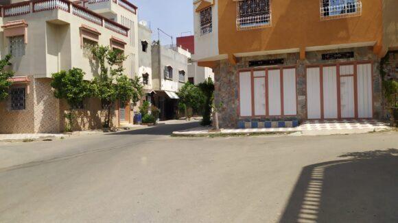سارق يسلب شابة حقيبتها الخاصة بحي السلالين