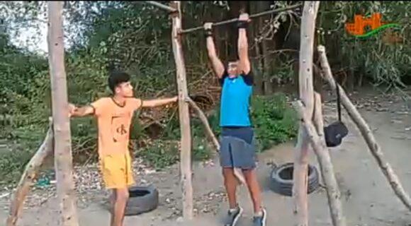 فيديو : حين يختار شبان  الاعتماد على اماكانياتهم الذاتية لتوفير فضاء رياضي لهوايتهم !!
